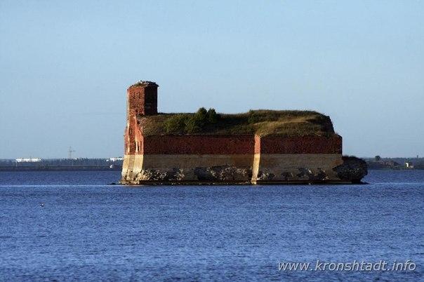 Кронштадтский форт.