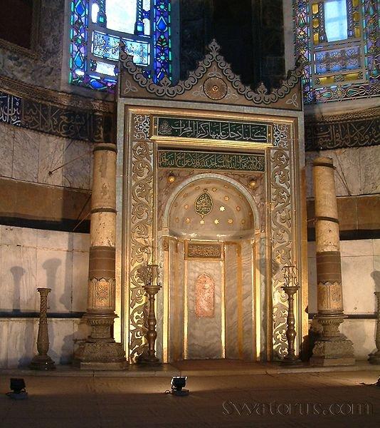 Софийский собор, переделанный в мечеть.