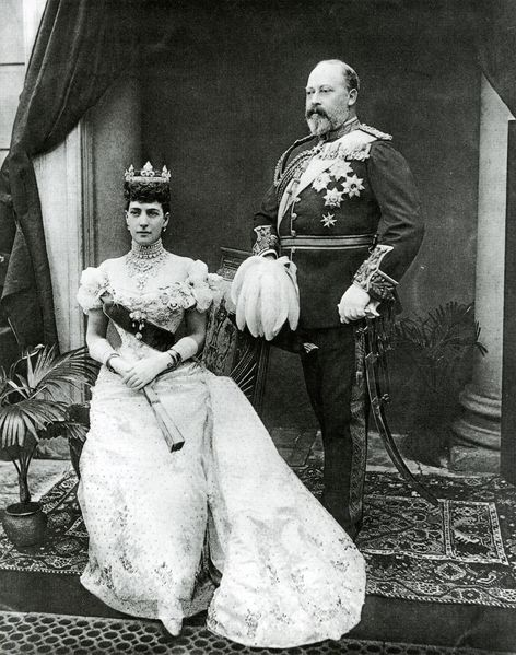 Александра Шлезвиг-Гольштейн-Зондербург-Глюксбургская с мужем