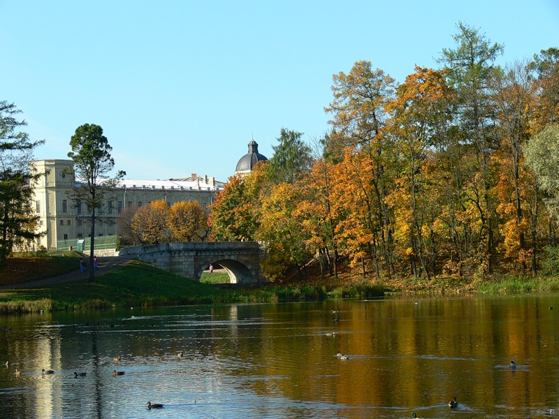 Вид на Гатчинский замок.