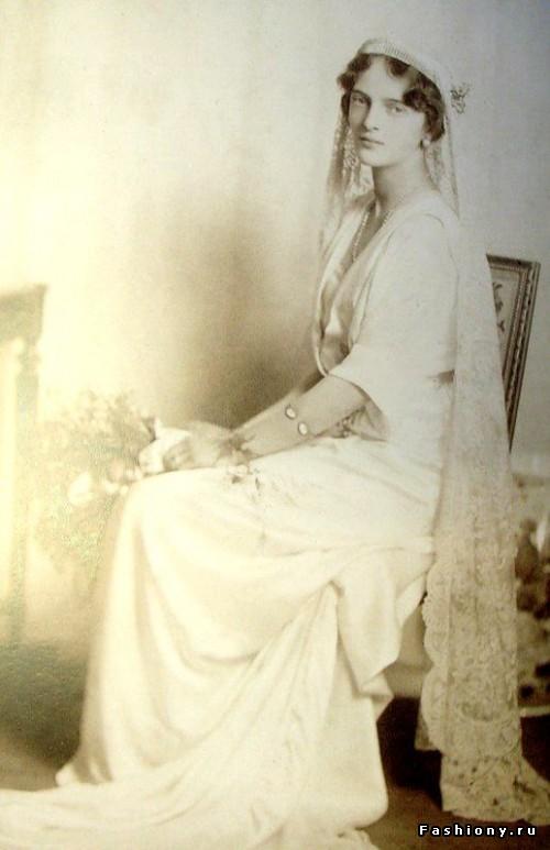 Ирина Романова-Юсупова в свадебной фате Марии-Антуанетты.