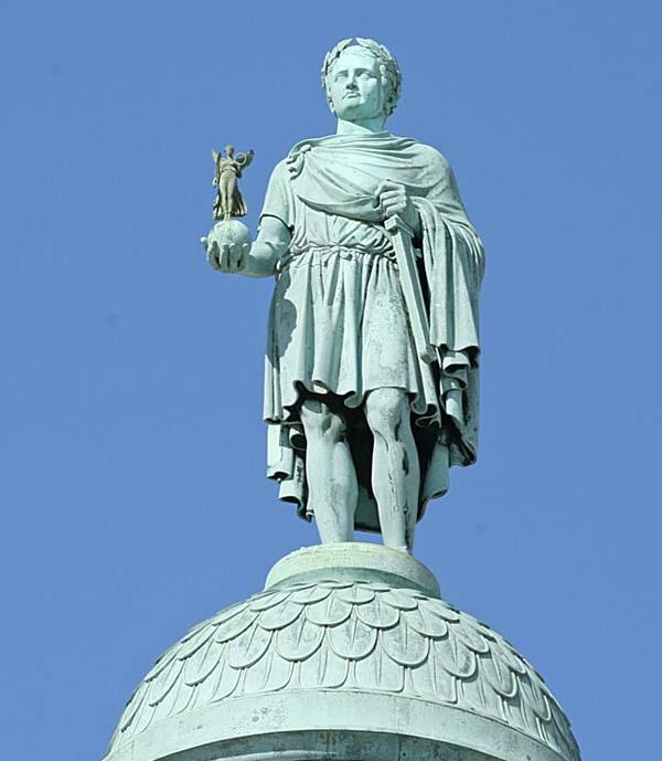 Памятник на Вандомской колонне.