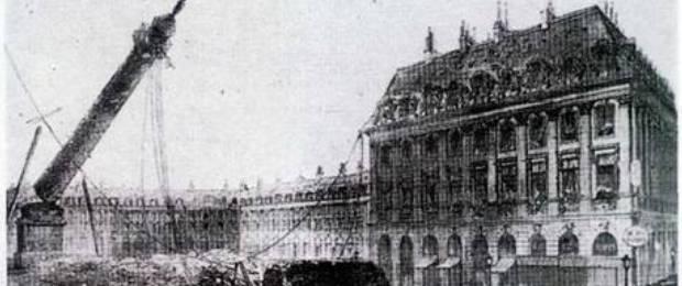 Вандомская колонна в Париже.