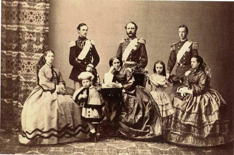 Кристиан IX с семьей.