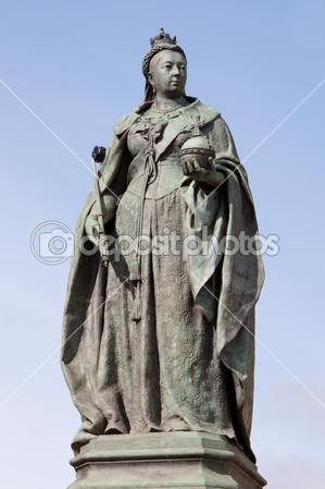 Памятник Виктории в Англии.