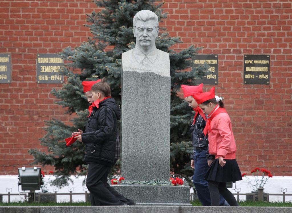 Смерть Сталина и восхождение Елизаветы.