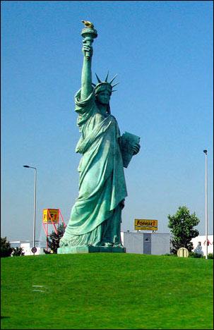 Статуя Свободы в Кольмаре, Эльзас.
