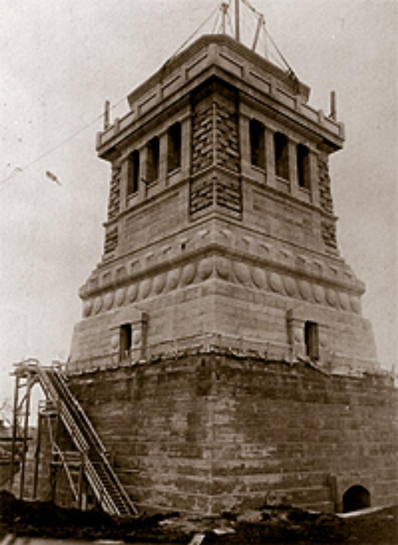 Иллюстрации к установке Статуи Свободы.