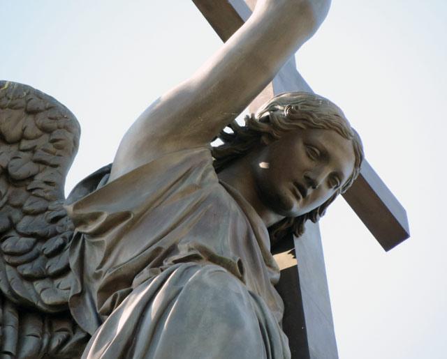 Статуя на Александровской колонне.