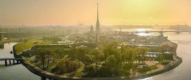 Петропавловская крепость в Санкт-Петербурге, Россия.