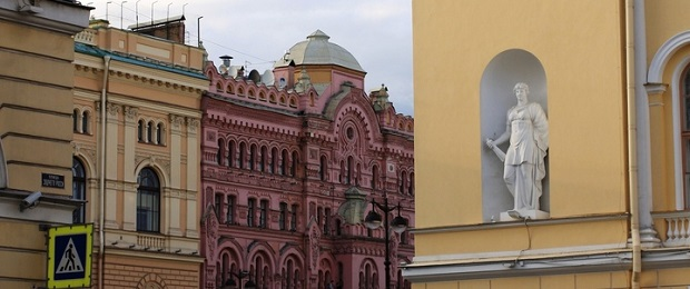 Русские и советские.