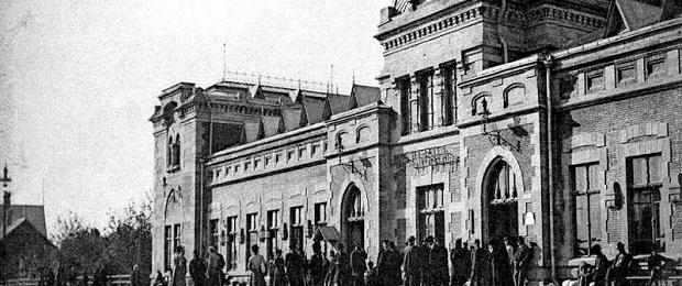 Сдвиг второй мировой и блокады Ленинграда советскими на 10 лет вверх.